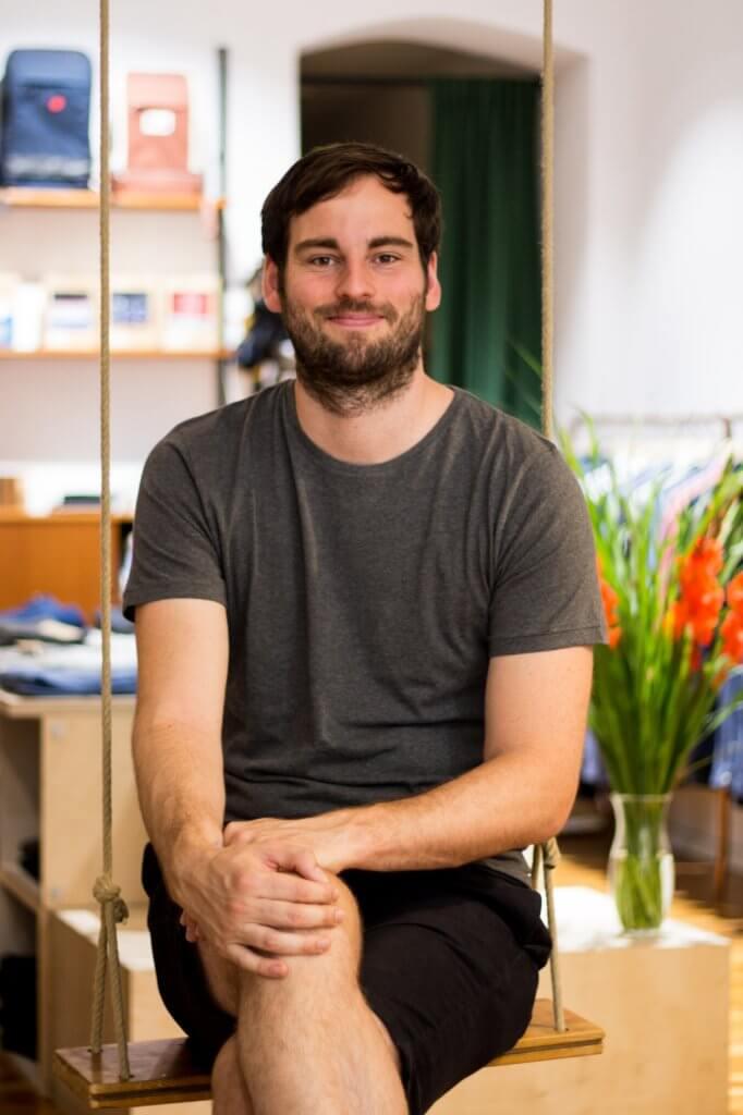 Moritz Marker im Ladengeschäft von LOVECO in Friedrichshain